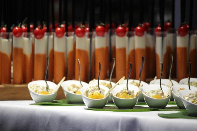 Gaumenfreuden so weit das Auge reicht: die geladenen Gäste wurden exquisit verwöhnt. (Foto: mda)