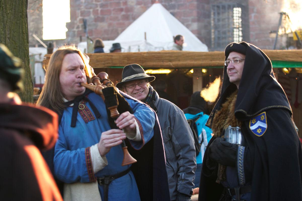 Würzwein, Waffeln, Weihnachtsklänge | Pfalz-Echo