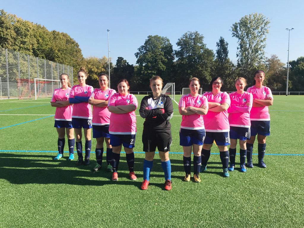 Die Mannschaft vom SV 1920 Hatzenbühl ist eines von zwölf Frauen-Teams in der Region. (Foto: privat)