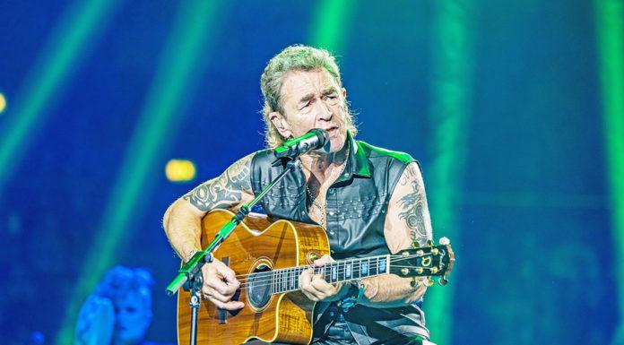 Peter Maffay auf der Bühne (Foto: Ralph Larmann, Red Rooster Musikproduktion GmbH)