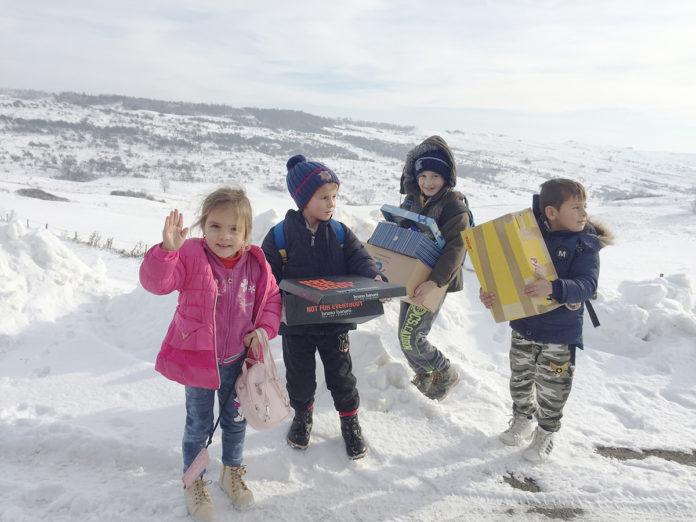 Beschenkte Kinder in Rumänien. (Foto: privat)