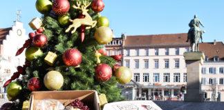 Die Thomas-Nast-Nikolaus-Boxen – hier die Exklusiv-Ausführung – sind ab sofort im Büro für Tourismus im Landauer Rathaus zu haben. (Foto: Stadt Landau)