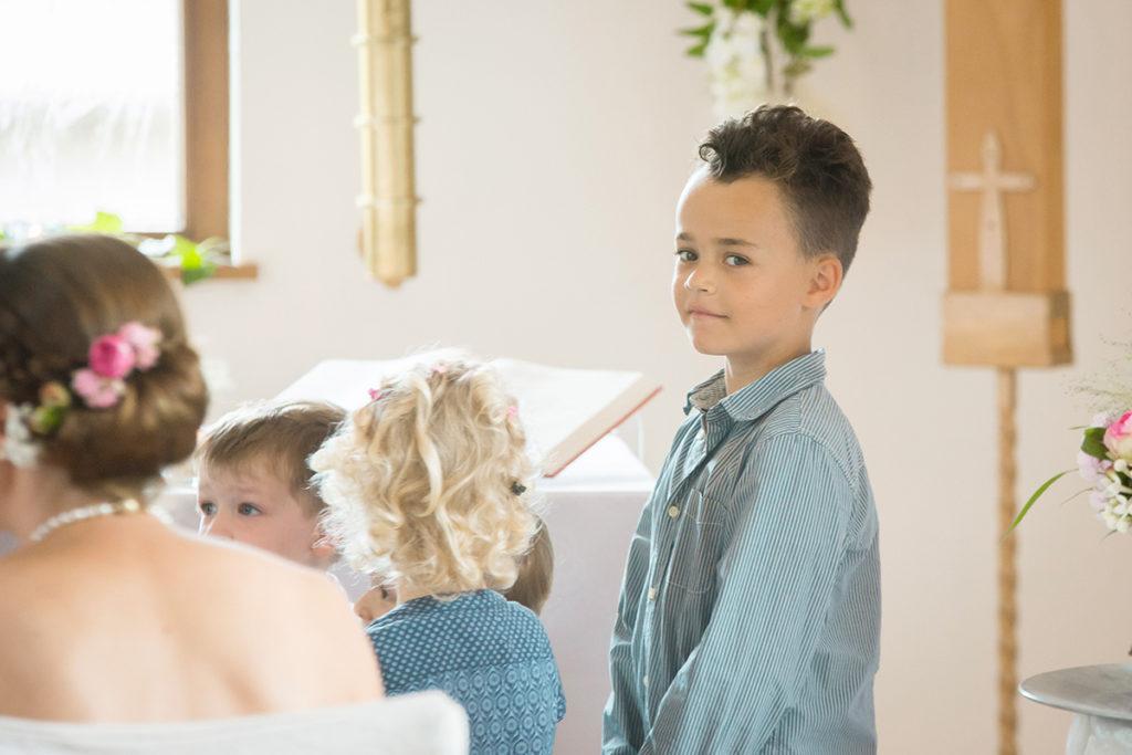 Vor vier Jahren (links) fasste Jaden den Entschluss, seine haare für den guten Zweck wachsen zu lassen. In diesem Jahr (rechts) ist es nun so weit: Die Haare werden gespendet. (Foto: privat)